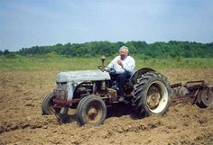 I drove my grandpa's little Ford tractor like this each time we put hay up in the hay mow. Country Farm, Country Life, Ford Tractors, Iroquois, Vintage Farm, Ferdinand, Farm Life, Iowa, Farms