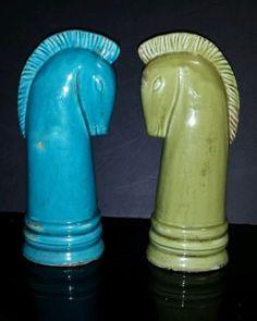 Vintage-Pair-of-Ceramic-Art-Deco-14-Knight-Chess-Pieces-Trojan-Horse-Heads