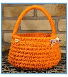 ręcznie robiony koszyk jadzia handmade ze sznurka bawełnianego