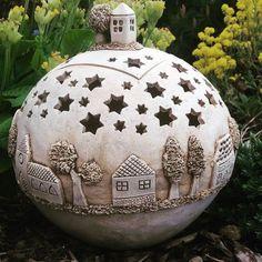 New No Cost Ceramics pottery sculpture Thoughts Ceramic Houses, Ceramic Clay, Ceramic Pottery, Pottery Art, Clay Projects, Clay Crafts, Pottery Courses, Pottery Store, Ceramic Light