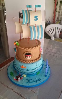 Jake and the neverland pirates cakes. Based on a wonderfull design of cakemaker uk. Just added captain hook being chased by the crocodile.