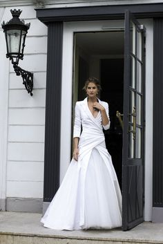 Great inspiration for a wedding dress that can be worn again without the tulle underskirt