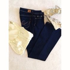"""EXPRESS X2 Slim W10 Low Rise Flare Jeans NWOT - EXPRESS X2 Slim W10 Low Rise Flare Leg Jeans in Dark Dark Wash. INSEAM-32""""  RISE-8""""  WAIST-29"""". This is an older style of Express Jeans and tags are cut out but NEVER WORN or WASHED. Express Jeans Flare & Wide Leg"""