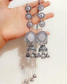 me ns Sterling Silber Zirkonia Ringe Indian Jewelry Earrings, Jewelry Design Earrings, Silver Jewellery Indian, Indian Wedding Jewelry, Ear Jewelry, Silver Jewelry, Jhumki Earrings, Silver Earrings, Antique Jewellery Designs