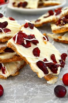 This Cranberry Bliss Cracker Toffee will be your new favorite holiday treat! Buttery, melt-in-your-mouth toffee made of club crackers and caramel, topped with creamy white chocolate and tart dried cranberries. Like Starbucks Cranberry Bliss Bars meets Christmas crack! Chocolate Topping, White Chocolate Chips, Blue Cheese Stuffed Olives, Cranberry Bliss Bars Starbucks, Club Crackers, Cracker Toffee, Caramel Crunch, Christmas Crack, Christmas Cooking