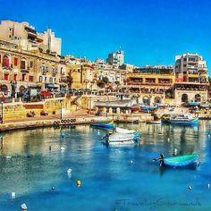 St. Julians Bay, Malta #cabinmax #travel http://cabinmax.com/en/home/103-valletta--0616316229105.html