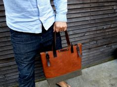 Leather tote bag / shoulderbag made from oiled by treesizeverse