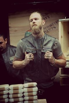 Opie <3 Sons of Anarchy, SAMCRO, SOA, bikers, brothers, family, great tv, Opie, beard, hands, fingers, gesture, powerful face, portrait, photo