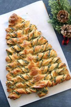 christmas appetizers breadstick Tree Spinach, Spinach Dip, Spinach And Cheese, Holiday Party Appetizers, Christmas Tree, Christmas Party Food, Christmas Baking, Christmas Ideas, Snack Recipes