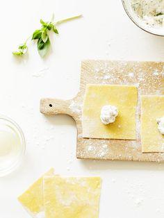 Tortellini mit Ricotta-Walnuss Füllung an Salbei-Butter