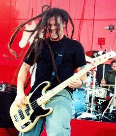 Chi Cheng of Deftones - RIP. Never forgotten. Chi Cheng, Nu Metal, Music Guitar, Pearl Jam, Punk Rock, Soundtrack, Good Music, Album Covers, Palms