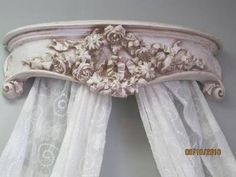 SHABBY BEACH COTTAGE ORNATE with PINK ROSES WREATH VINTAGE CHIC BED CROWN
