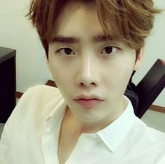 Lee Jong Suk... beautiful too much!