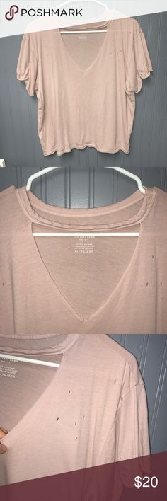 Women's American Eagle Tee XL Women's American Eagle Tee. Size XL. Excellent used condition! American Eagle Outfitters Tops Tees - Short Sleeve
