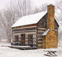 winter cabin hideaway.....I'd love to hide out here!!!