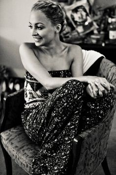 "#petite beauty Nicole Richie, 5' 0""!  Love this picture of her - it's probably the smile :)."