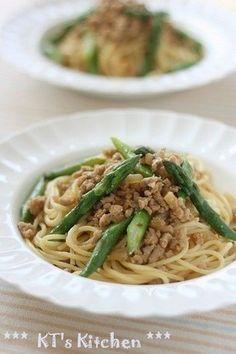 アスパラと豚ひき肉の味噌スパゲティ