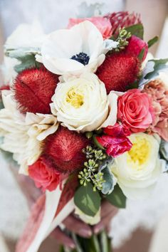This lovely #wedding bouquet is so amazingly arranged! From http://stylemepretty.com/gallery/picture/791706  Photo Credit: http://jessicasphoto.com/  Florals by http://dahliaeventplanning.blogspot.com/