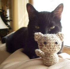 Cute and fast cat amigurumi crochet pattern-FREE! (and pretty quick)