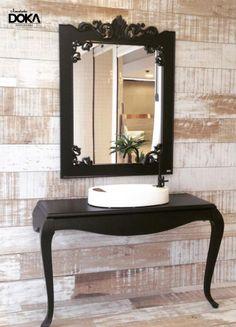 Espelho Belle preto e Aparador Belle preto duplo na vitrine da DiMosaico - NH - RS!