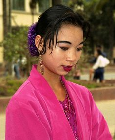 Pretty Dai girl; Jinghong, Yunnan, China by Lon&Queta, via Flickr
