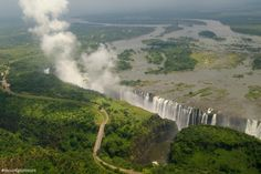 10 Most Beautiful Waterfalls in the World After the 10 Magnificent Frozen Waterfalls Around the World I think many of you, my dear. What A Beautiful World, Victoria Falls, Exotic Places, Beautiful Waterfalls, Still Life Photography, Wildlife Photography, Places To Travel, Zimbabwe, Around The Worlds