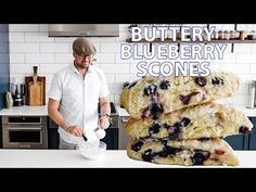 The Trick to Buttery Flaky Blueberry Scones Apple Scones, Blueberry Scones, Blueberry Recipes, Blueberry Breakfast, Breakfast Cake, Easy Desserts, Dessert Recipes, Scone Recipes, Tea Recipes