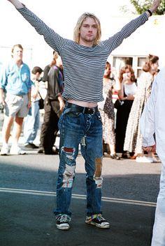 Estilo Grunge e moda anos 90 (Kurt Cobain, vocalista do Nirvana). Fashion Male, Fashion Guys, Grunge Fashion, 90s Fashion, Fashion Trends, Nirvana Kurt Cobain, Kurt Cobain Style, Kirk Cobain, Jim Morrison