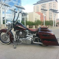 So many amazing baggers at this year's Las Vegas Bikefest! Like this 2008 Heritage Softail owned by Vern Smith.