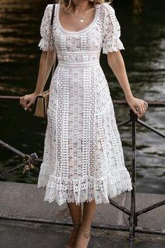 Lace and leather Mit freundlichen Grüßen Midi-Blumenkleid What Women should Wear for Office The new Floral Midi Dress, Lace Dress, Dress Up, White Dress, Midi Dresses, Midi Skirt, Flower Dresses, Boho Dress, Prom Dress