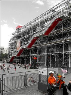 And Renzo Piano Architects. Pompidou Paris, Georges Pompidou, Architecture Design, Contemporary Architecture, Renzo Piano, Monuments, Le Corbusier, Richard Rogers, Arch Building