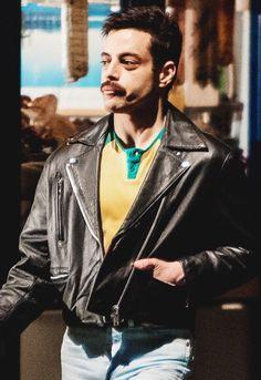 Rami Malek +Love Of my life+ Rami Malek Freddie Mercury, Queen Freddie Mercury, Rami Malik, Rami Said Malek, My Champion, Mr Robot, Ben Hardy, Somebody To Love, Queen Band