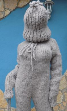Mohair Yarn, Mohair Sweater, Catsuit, How To Make Clothes, Making Clothes, Gros Pull Mohair, Big Wool, Grey Fashion, Fur Fashion