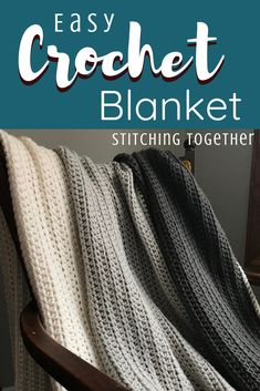 Easy Crochet Blanket Pattern that's great for beginners and totally free! This quick chunky blanket makes a great addition to any home decor. patterns for beginners free Simple Half Double Crochet Blanket Crochet Afghans, Crochet Stitches For Blankets, Easy Crochet Blanket, Crochet For Beginners Blanket, Beginner Crochet Projects, Afghan Crochet Patterns, Chunky Blanket, Square Blanket, Chunky Crochet Blankets