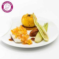 """Pavé de turbot poêlé et légumes - Lenôtre Pavé de turbot poêlé recouvert d'une gourmandise au miel épicé, accompagné d'une tomate """"Ananas"""" confite au miel, d'une quenelle de concassée de tomate sauce champonzu et de mini fenouil. Sauce miel aux épices.   Olivier Poussier, Meilleur Sommelier du Monde 2000 et Chef Sommelier Lenôtre vous suggère d'accompagner ce plat avec le Condrieu, Le Jardin Suspendu 2013 - P.J Villa"""