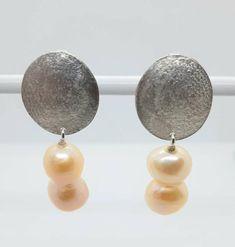 silver earrings with pearl pendant Studs, Hanger, Silver Jewelry, Pearl Earrings, Fashion, Moda, Clothes Hanger, Pearl Studs, Fashion Styles