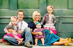 website with 50 different family pic ideas by darcy