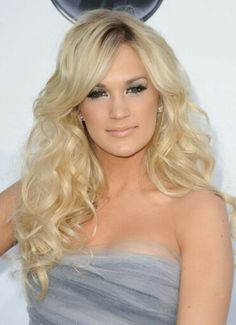 Carrie Underwood i snygg frisyr www.harfrisyrer.se