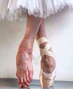 Are ballerina giving ballet slipper footjob pity, that