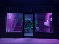 Image de purple, aesthetic, and neon Neon Purple, Purple Rain, Magenta, Lilac, Purple Roses, Vaporwave, Neon Noir, Purple Aesthetic, Aesthetic Dark