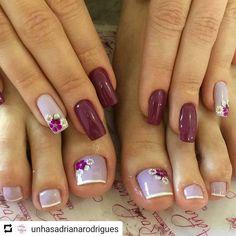31 fotos de unhas decoradas com esmalte roxo Cute Toe Nails, Toe Nail Art, Acrylic Nails, French Nails, Pink Nails, My Nails, Grow Nails, Summer Toe Nails, Manicure E Pedicure