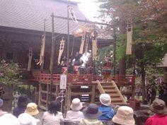 平成26年5月5日慈恩寺『一切経会』にて。「太平楽」(写真提供:@nakagawa_seibei 様)