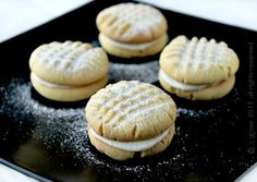 Fill the cookie jar with these Custard Cream Cookies recipe Cookies And Cream, Cookie Jars, Custard, I Foods, Cookie Recipes, Cake Decorating, Sweet Treats, Baking, Desserts