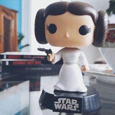 She is now one with the Force. | Vá em paz, Carrie Fisher ❤️ Nossa eterna e maravilhosa Princesa/General Leia Organa ❤️