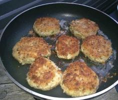 Recipe Tuna and Sweet Potato Patties by learn to make this recipe easily in your kitchen machine and discover other Thermomix recipes in Main dishes - fish. Sweet Potato Patties, Tuna Patties, Patties Recipe, Bellini Recipe, Savory Snacks, Savoury Recipes, Light Recipes, Main Meals, Food Inspiration