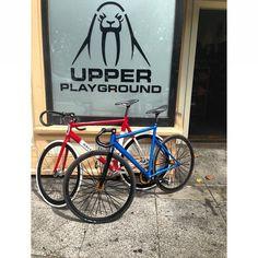 defiantheights:  #upperplayground #fixedgear #trackbike #raleigh #unknownbikes #macaframa #defiantheights #urbanculture #aboutthatlifeBRAND