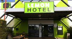 Booking.com: Lemon Hotel Dreux - Dreux, France