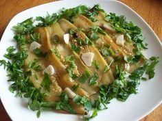 Это единственное блюдо из баклажанов, которое по масштабам вкусовых ощущений, по мощи замысла и по совершенству воплощения можно поставить в один ряд с благоуханным «аджапсандали» — баклажанами по-бак…