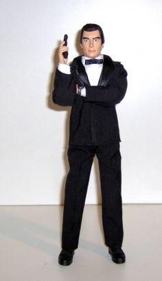 FIGURAS DE ACCION BONDCOLLECTION - TIMOTHY DALTON COMO JAMES BOND Bondcollection quiso presentar esta nueva serie de figuras de acción a Dalton en The Living Daylights  Total artículos:$105,00 Envío y manejo: $86,20 Total:$191,20 USD