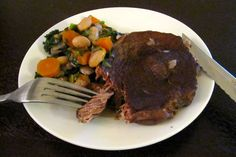 mock tender fillet braised in red wine sauce with beans spinach carrots and onion Roast Recipes, Steak Recipes, Sauce Recipes, Slow Cooker Recipes, Dinner Recipes, Dinner Ideas, Yummy Recipes, Cooking Recipes, Yummy Food